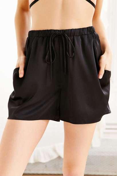 nroh uo satin shorts
